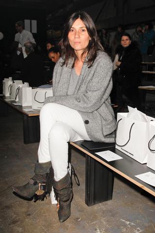 Front Row Février 2012 - Emmanuelle Alt (bottes Isabel Marant)