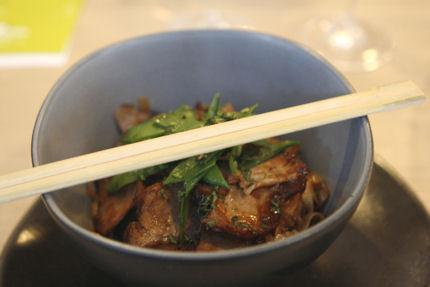 Nouilles chinoises, lamelles de porc et pois gourmands saisis, David Zuddas, D Z'envies, Dijon